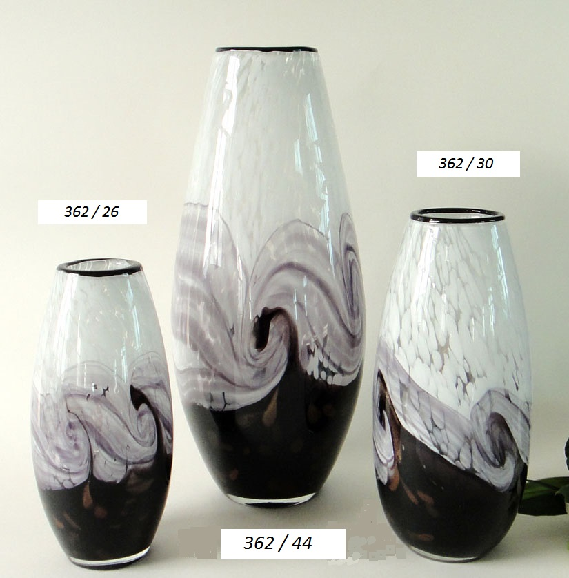 vases en verre souffl cristallerie pierre de lune. Black Bedroom Furniture Sets. Home Design Ideas